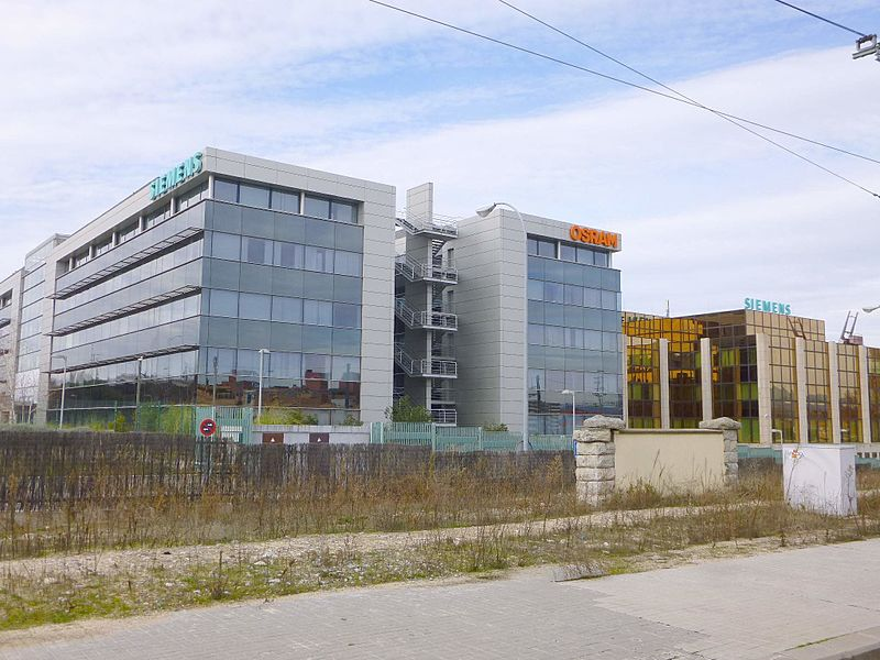 File tres cantos siemens osran jpg wikimedia commons for Oficina kutxabank tres cantos