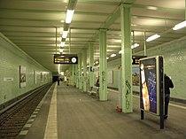 U-Bahn Berlin Samariterstraße.jpg