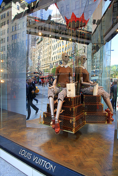 5th Avenue, NYC, 2013 USA-NYC-5th Avenue Louis Vuitton0.jpg