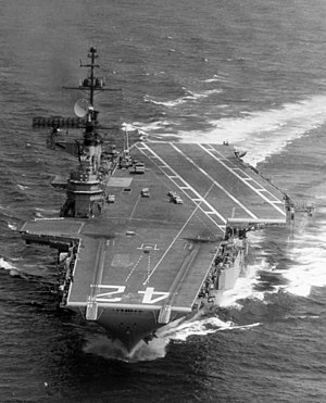 Midway-class aircraft carrier - Franklin D. Roosevelt under way in 1969