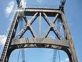 Une arche du pont suspendu de Tonnay-Charente.JPG