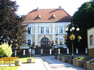 Otmuchów - Image: Urząd Miasta i Gminy w Otmuchowie
