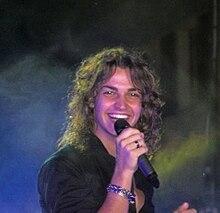 Valerio Scanu durante un concerto