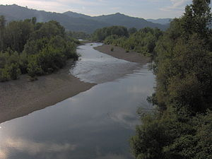 Vara (river) - The river at the bridge of Ceparana, Bolano