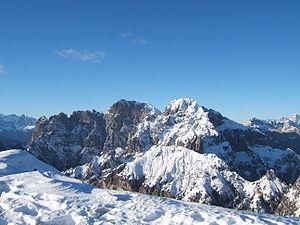 Signore delle cime - Image: Veduta gruppo dello Schiara dal monte Serva
