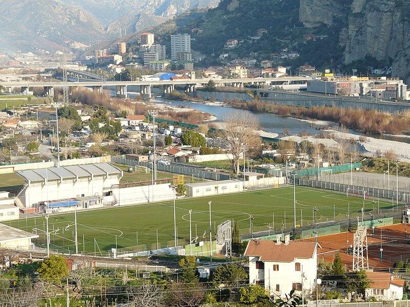 File:Ventimiglia-campo sportivo.jpg