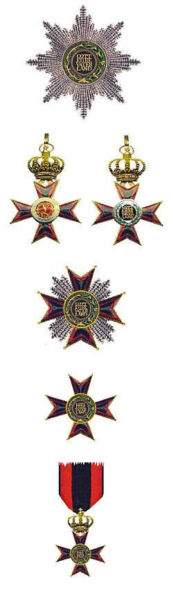 Versierselen van de Hessische Ludwigsorden.jpg