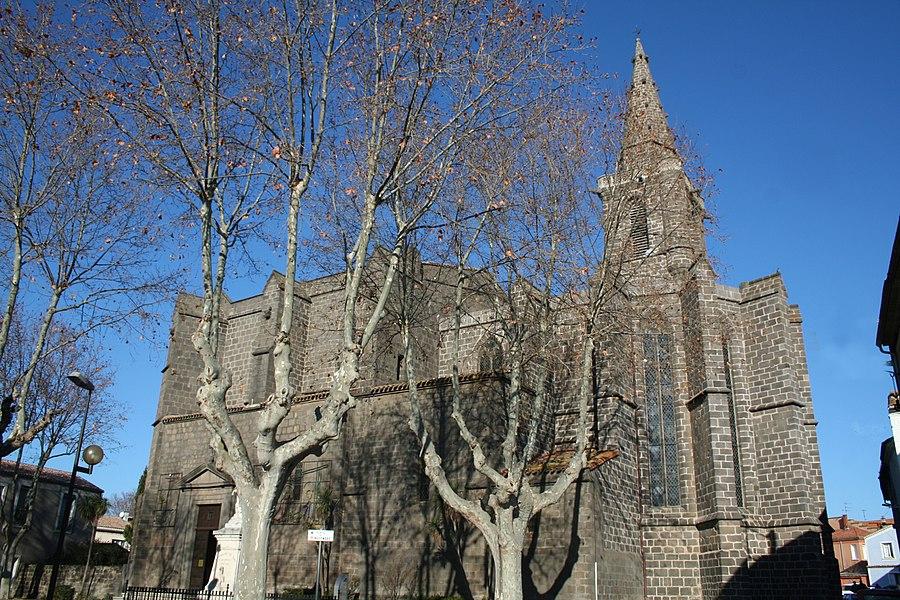 Vias (Hérault) - Façade sud de l'église Saint-Jean-Baptiste (XIVe - XVe siècles).