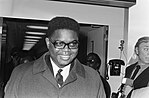 Vice president van Congo Brazzaville, Alfred Raoul, arriveert op Schiphol, Bestanddeelnr 923-3516.jpg
