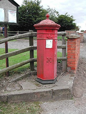 Budby - Penfold-type post box in Budby