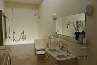 Villa Tugendhat - Badezimmer.JPG