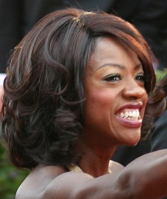Viola Davis - Davis at the 81st Academy Awards in 2009