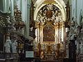 Vlevo oltáře kláštera Sar má být ukryta růžice jednoho z dvanácti. - Sar.JPG