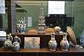 WLANL - thedogg - Vitrine Majolica en Delfts aardewerk.jpg