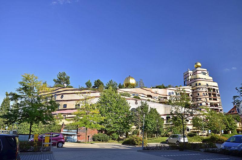File:Waldspirale Darmstadt - Hundertwasser-Haus.JPG