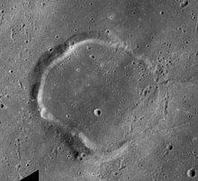 Wallace crater AS17-M-2908.jpg