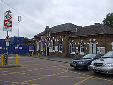Walthamstow Central stn old building.JPG