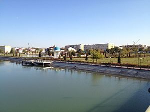 Waterfront of Shavat canal in Urganch.jpg
