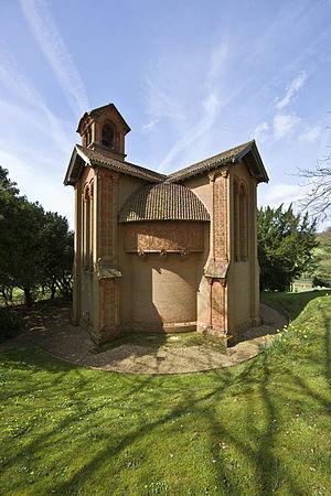Watts Cemetery Chapel - Image: Wattschapel 4At 8 0671