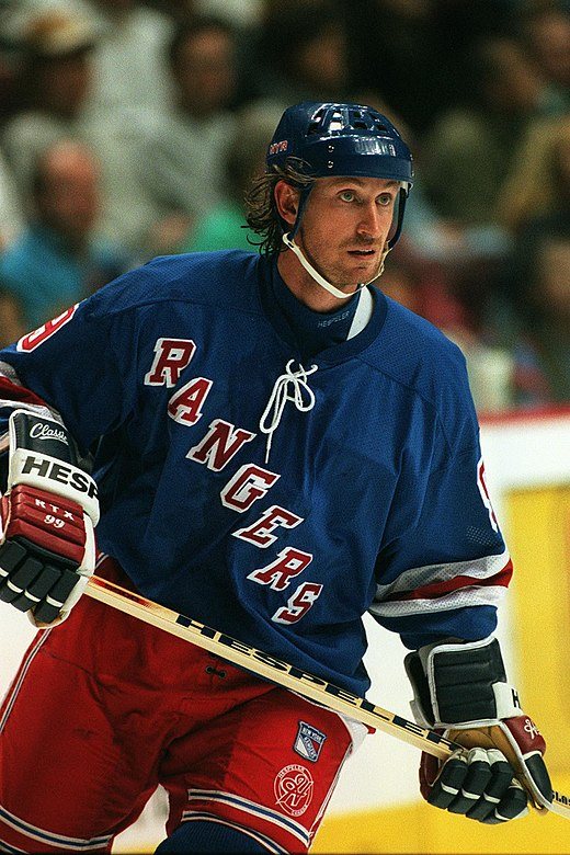 Wayne Gretzky played his entire NHL career as a centre. Wayne Gretzky New York Rangers (252547547).jpg