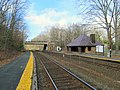Wellesley Farms station, April 2016.JPG