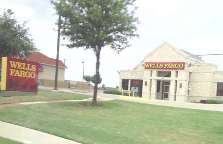 A remodeled Wells Fargo bank in Fort Worth, Texas Wells Fargo in Fort Worth, TX.png