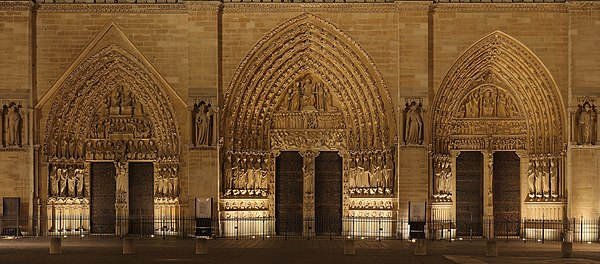 West portals of Notre-Dame de Paris, 28 October 2007.jpg