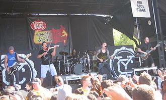 Yellowcard - Image: Yellowcard 2012 06 27 02