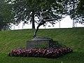 """""""פסל של סוניה הני, אוסלו, אוגוסט 2012."""".jpg"""