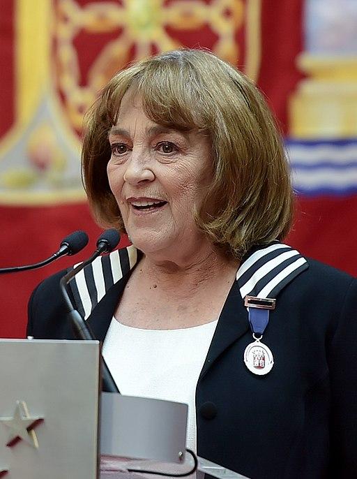 (Carmen Maura) Entrega de la Medalla internacional de las Artes de la Comunidad de Madrid a Carmen Maura (33552184358) (cropped)