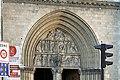 Église Saint-Jean-Baptiste de Belleville - façade, portail du centre.jpg