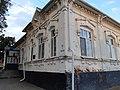 Здание, где учились герои Советского союза Л.С. Журавлев и Н.В. Кутенко. Ул. Мопра 65.jpg