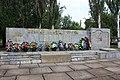 Стела на честь воїнів-односельчан у с. Новорайськ.jpg