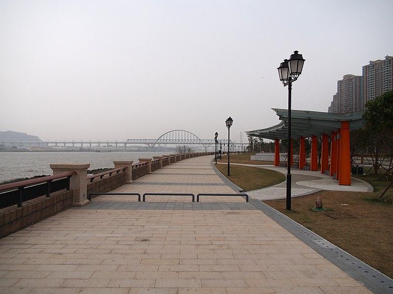 File:东江滨公园 - East Riverside Park - 2014.03 - panoramio (2).jpg