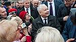 002 Jarosław Kaczyński, Mateusz Morawiecki z ludźmi koło Pomnika Smoleńskiego w Budapeszcie na Węgrzech.jpg
