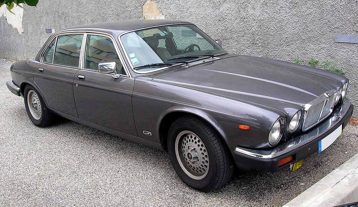0509 Jaguar Sovereign 4.2 2.JPG