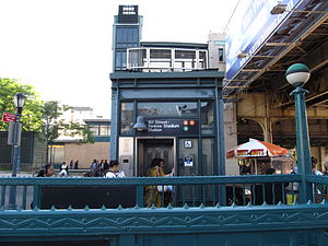 161st Street–Yankee Stadium (New York City Subway) - Image: 161 Street entrance vc