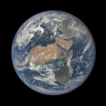 photo de la Terre vue de l'espace, centrée sur l'Afrique