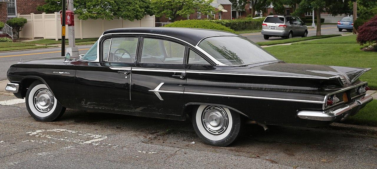 Chevrolet Bel Air >> Fichier:1960 Chevrolet Bel Air six-window sedan, rear left.jpg — Wikipédia
