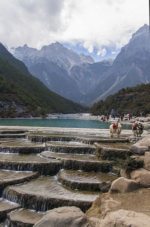 Jade Dragon Snow Mountain - Image: 1 yulong xueshan yak 2012