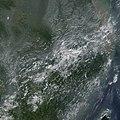 2002年8月28日,洪峰通过武汉流向九江市的实时卫星照片.jpg