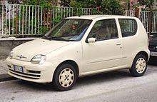 La versione ristilizzata nel 2005, qui in allestimento 50th Anniversary, adotta la nuova denominazione numerica Fiat 600 e riprende sul cofano i