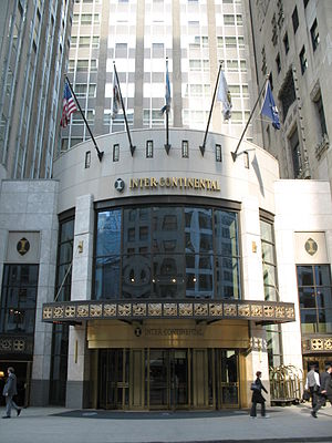 InterContinental Chicago Magnificent Mile - InterContinental Chicago entrance