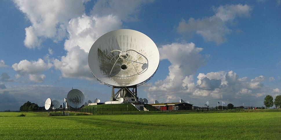 20120715 Grondstation Nationale SIGINT Organisatie (NSO) Burum Fr NL