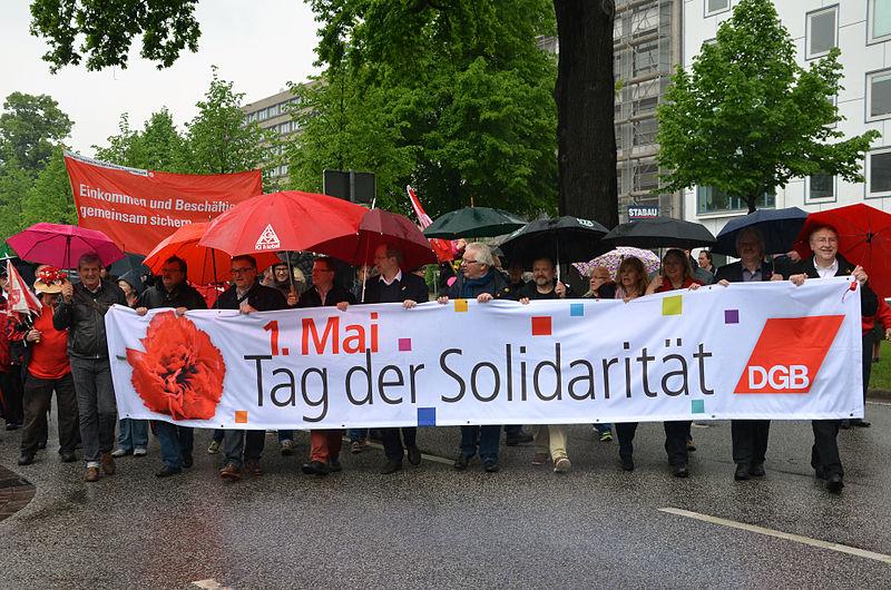 File:2014-05-01 1. Mai, Trammplatz Hannover, (039) vom Deutschen Gewerkschaftsbund (DGB) organisierter Demonstrationszug, Friedrichswall.jpg