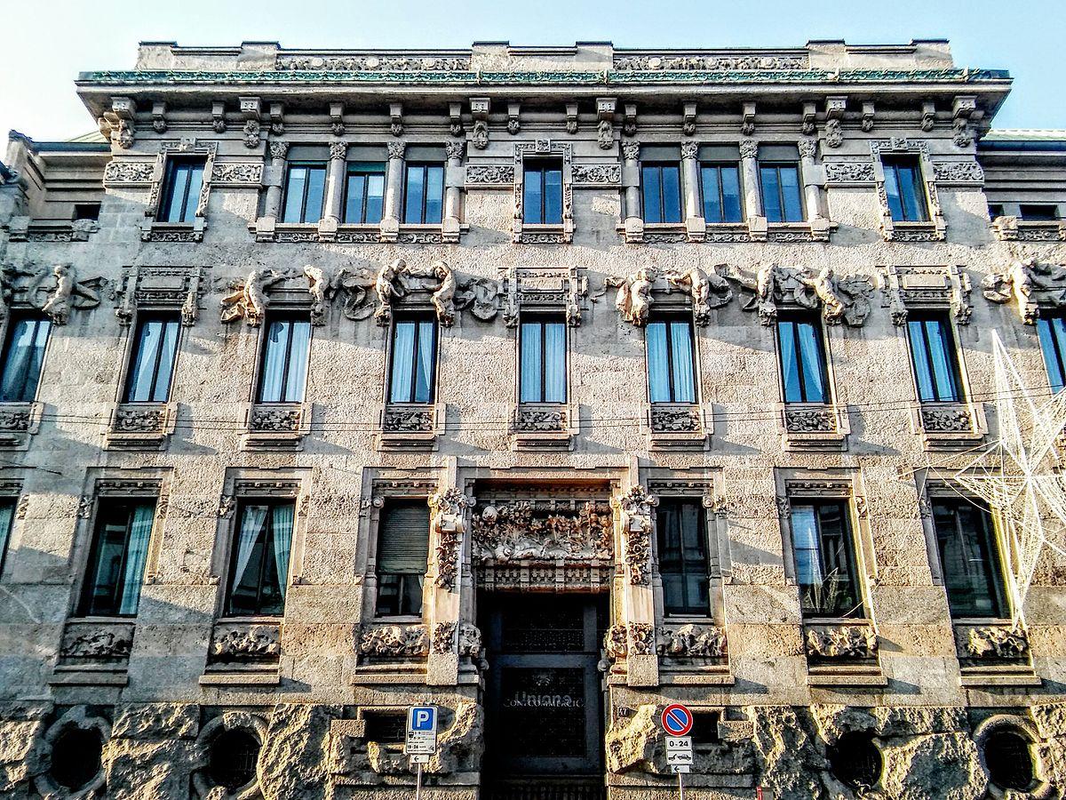 Palazzo castiglioni wikipedia for Piani di palazzi contemporanei