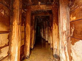 Vestiges miniers, à Ronchamp et aux alentours... 320px-2021-01-01_15-24-23_puits-%C3%A9tan%C3%A7on-Ronchamp