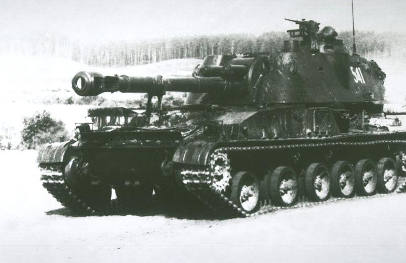 جميع الأسلحة المستخدمة من طرف الجيش الجزائري 800px-2S3_Akatsiya