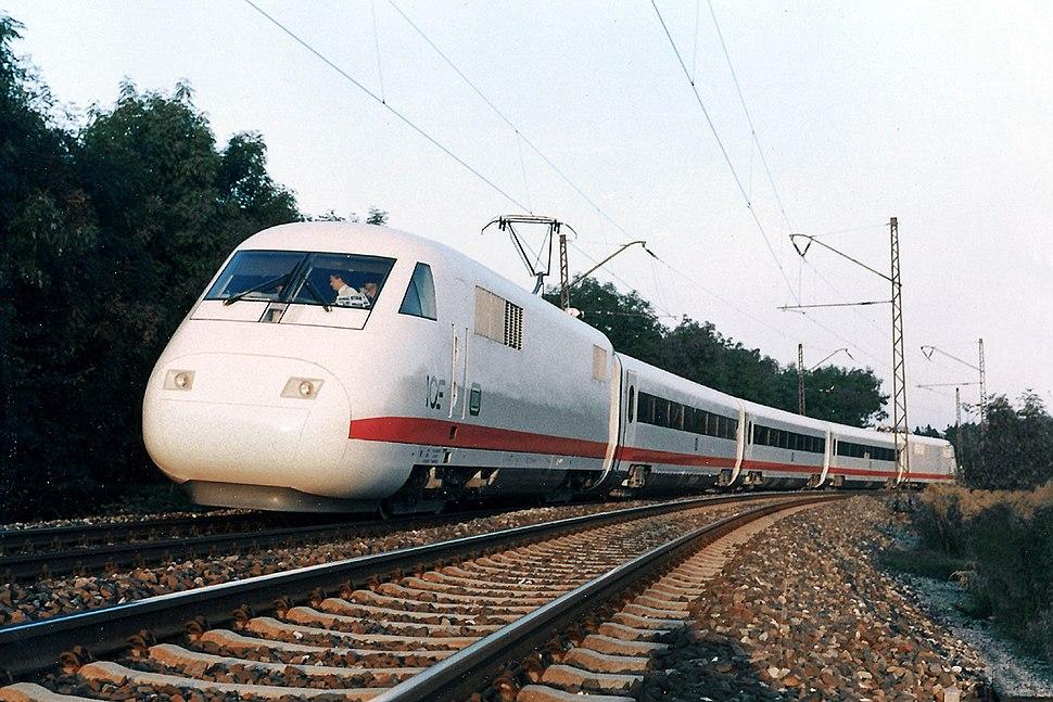 410001MKF Zug 1152