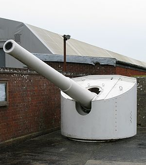 HMS Calypso (1883) - A 6-inch gun from HMS Calypso on display at Fort Nelson